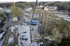 La construction du dueling coaster.